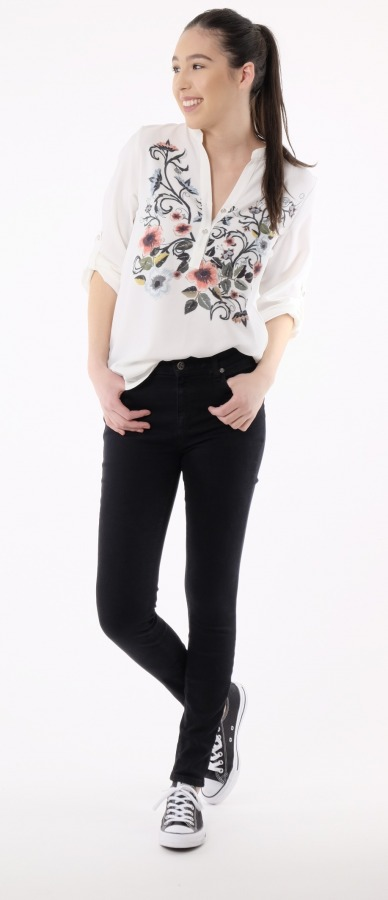 3dcb4f921136 Top them off with a bursting with blossoms, embroidered blouse! A fresh,  pulled together look was born. Change of footwear, add a jacket and you  ease into a ...